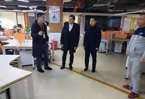 龙8国际pt老虎长沙基地总经理赵总与来宾交流